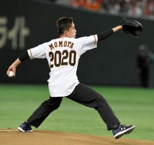 桃田賢斗 始球式